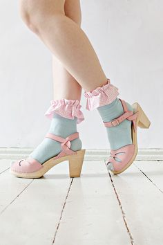 DIY | Ruffle Socks #