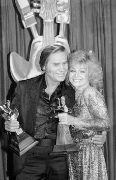 George Jones and Barbara Mandrel Best Country Singers, Country Music Stars, Country Artists, Famous Men, Famous People, Glenn Jones, Tammy Wynette, George Jones, Classic Image