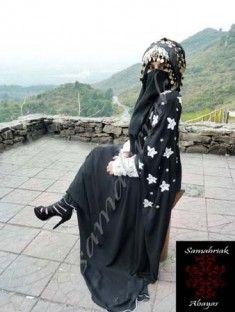 http://pakistanfashionmagazine.com/dress/pakistani-dresses/latest-party-wear-abaya-collection-2013-for-muslim-women-by-samahriak-.html