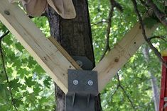 Tree House Brackets Ideas — Rocky Mountain Diner Home Design Building A Wooden House, Tree House Plans, Backyard Trees, Cool Tree Houses, Tree House Designs, Land Art, Outdoor Projects, House In The Woods, Land Scape