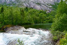 Øversiden av kulpen i Nordfjordelva     http://www.tursiden.no/oversiden-av-kulpen-i-nordfjordelva/