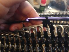 Tutorial for crocheting pop tabs together. This tut is for a lampshade, but the…