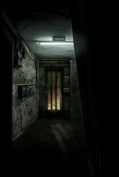 Dark Hallway, Dark City, Creepy Pictures, Story Setting, Arte Horror, Dark Places, Story Inspiration, Abandoned Places, Cinematography