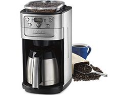 The Cuisinart Grind & Brew Automatic Coffeemaker retains the true flavor of grinding your coffee beans to give every cup a crisp, bold taste. Coffee Maker Reviews, Best Coffee Maker, Cappuccino Maker, Espresso Maker, Coffee Maker With Grinder, Drip Coffee Maker, Real Coffee, Coffee Type, Types Of Coffee Beans