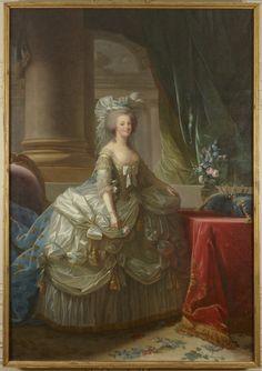 Marie-Antoinette en costume de cour