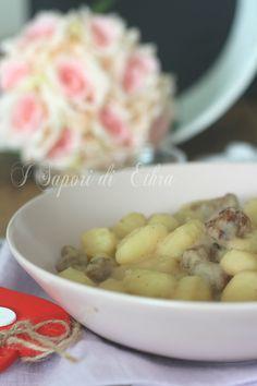 Gnocchi con crema di cannellini e salsiccia