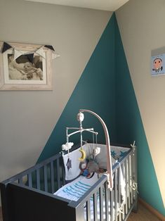Chambre petit garcon Baby Bedroom, Nursery Room, Baby Boy Rooms, Rund Ums Kind, Gaspard, Baby Decor, Room Paint, Kids Room, Trendy Bedroom