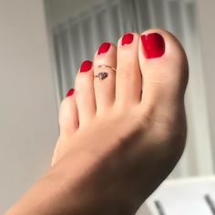Pretty Toe Nails, Pretty Toes, Nice Toes, Pedicure Colors, Painted Toes, Beautiful Toes, Foot Toe, Sexy Toes, Female Feet
