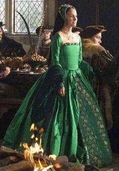 Victorian wedding dress, Historical dress, Jacket and bustle skirt, Luxurious silk victorian gown - Outfit Ideen Renaissance Mode, Renaissance Fair Costume, Renaissance Dresses, Medieval Costume, Renaissance Fashion, Medieval Dress, Italian Renaissance, Anne Boleyn, Historical Costume
