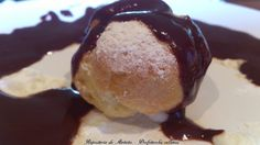 PROFITEROLES CON SALSA DE CHOCOLATE Profiteroles, Pasta Choux, Relleno, Pancakes, Ice Cream, Chocolate, Breakfast, Desserts, Food