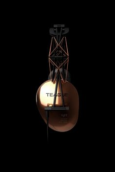 The design llama: TEAGUE 20/20 headphones
