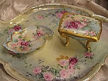 """""""GORGEOUS VICTORIAN ROSES"""" Lovely Antique Dresser Set Heirloom Lady's Boudoir Vanity Limoges or Austrian Fine Porcelain Handled Tray w Footed Trinket Box Jar, Scalloped Pin Necklace Dish Hand Painted Floral Art China Painting circa 1900"""