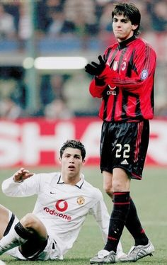 This file picture dated March 2005 shows Portuguese Cristiano Ronaldo of Manchester United on the floor watching Brazilian Kaka of AC Milan clapping his hands during their Champion's league Get premium, high resolution news photos at Getty Images Legends Football, Football Icon, Football Is Life, Football Match, Football Soccer, Milan Football, Madrid Football, Football Moms, Soccer Sports