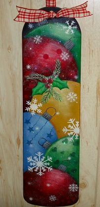 The Decorative Painting Store: Christmas Fan Blade Pattern by Betty Bowers (Bottle Painting Patterns) Christmas Canvas, Christmas Paintings, Christmas Wood, Christmas Projects, Vintage Christmas, Christmas Ornament, Fan Blade Art, Painted Wine Bottles, Decorated Bottles