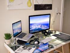 Home work setup (Macbook pro Retina + Apple Display) -d(>_<)b-