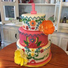 Flowers pink and yellow rustic children's birthday cake #peridotsweets