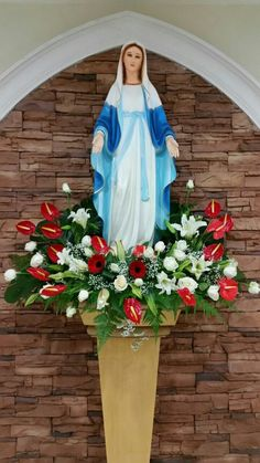 Assumption 2016 jcc Mary Flowers, Altar Flowers, Church Flowers, Beautiful Rose Flowers, Church Flower Arrangements, Floral Arrangements, Church Altar Decorations, Assumption Of Mary, Holy Mary