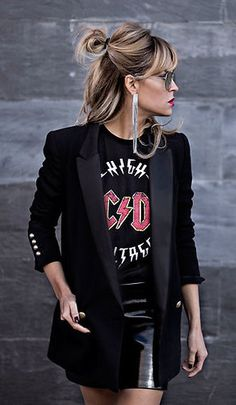 summer outfits Black Blazer + Black Printed Tee + Black Leather Skirt