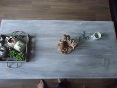 Het idee kwam van de Salon tafel die Bert een paar dagen daarvoor al een white wash kleur gegeven had. Was een zwarte tafel