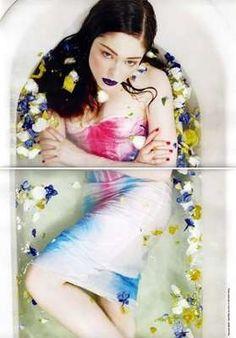 Bath Tub Fashion Shoot: Agua Caliente in Numéro 94