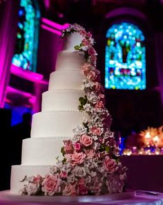 Here We Will Talk About The Most Expensive Celebrity Wedding Cakes In World Celebrities Are Famous All Over And They Have Millions