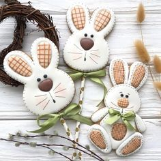 Osterhasen backen Mürbeteighasen Zuckerguss Osterhasen Ausstechform The most historic Easter products, with regards to this Soft Sugar Cookies, Fancy Cookies, Iced Cookies, Holiday Cookies, Cupcake Cookies, Easter Cupcakes, Easter Cookies, Flower Cupcakes, Christmas Cupcakes