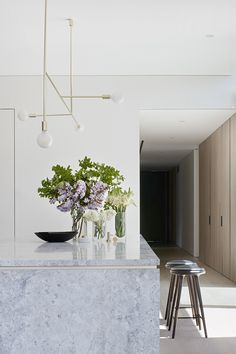 The Concrete Conceal House By Tecture Local Australian Interior Design & Residen. : The Concrete Conceal House By Tecture Local Australian Interior Design & Residen. Contemporary Interior Design, Modern Kitchen Design, Interior Design Kitchen, Modern Contemporary, Rooms Decoration, Decoration Design, Room Decor, Australian Interior Design, Decoration Inspiration
