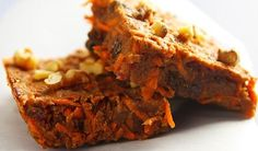 Carrot Cake Bars from Fat Free Vegan Kitchen (Susan Voison) Vegan Treats, Vegan Foods, Vegan Dishes, Vegan Recipes, Free Recipes, Vegan Desserts, Dessert Healthy, Healthy Sweets, Carrot Cake Bars