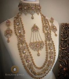bridal jewelry for the radiant bride Pakistani Bridal Jewelry, Indian Wedding Jewelry, Indian Jewelry, Bridal Jewellery Inspiration, Bridal Jewelry Sets, Bridal Accessories, Bling Bling, Jewelry Collection, Bollywood