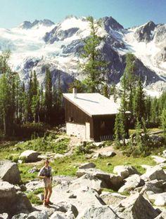 """Woodbury Cabin - 2200 msnm - GPS Coordinates: 49° 48' 00"""" - 117° 07' 40""""   NAD83 11U 490804 5516392 - Canada"""