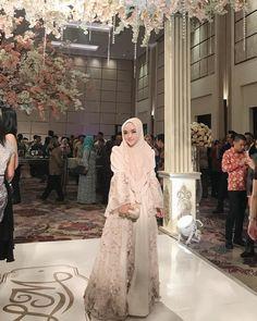 Kebaya Hijab, Victorian, Dresses, Fashion, Vestidos, Moda, Fasion, Dress, Gowns