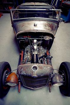 hot rod, muscle cars, rat rods and girls Rat Rods, Rat Rod Cars, Classic Motors, Classic Cars, Traditional Hot Rod, Ford, Kustom Kulture, Pinstriping, Custom Cars