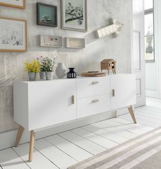 Contemporary white sideboard with oak legs 2 door and 2 drawers Home Furniture, Furniture Design, White Sideboard, Bad Inspiration, Interior Decorating, Interior Design, Home And Living, Living Room Decor, Living Area