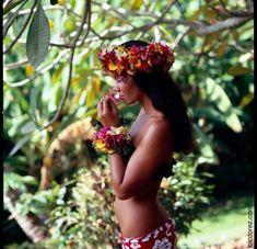 I pinned Lucie :-) Honoured to call this Tahitian beauty one of my friends Hawaiian Woman, Hawaiian Girls, Hawaiian Dancers, Hawaiian Luau, Polynesian Dance, Polynesian Islands, Polynesian Culture, Tahitian Costumes, Hawaii Hula