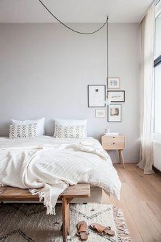Slaapkamer inspiratie. Lichte kleuren en natuurlijke materialen. Scandinavisch interieur.