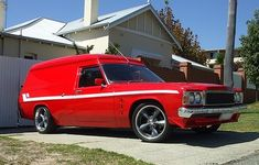 Australian Muscle Cars, American Muscle Cars, Cool Vans, Old Classic Cars, Station Wagon, General Motors, Van Life, 4x4, Soccer Moms
