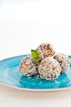 Jáhlové kuličky s mandlemi a kokosem Gluten Free Cakes, Raw Vegan, Ham, Protein, Low Carb, Sweets, Cookies, Breakfast, Recipes