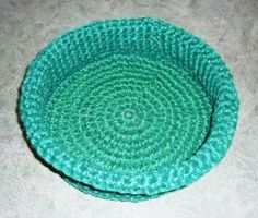 How to Crochet a Round Basket From Gardening Twine By M. Rhodes