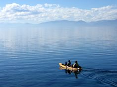 Want to kayak Lake Tahoe? Tahoe Beach Retreat has everything you need to get out on the water!