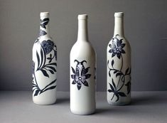 Recycle a Wine Bottle into a Beautiful Work of Decoupaged Art : How to decoupage a recycled wine bottle paper craft. Add some Asian flair to your home decor recycling wine bottles into art objects. Empty Wine Bottles, Recycled Wine Bottles, Painted Wine Bottles, Glass Bottle Crafts, Diy Bottle, Bottle Art, Vodka Bottle, Beer Bottle, Diy Decoupage Projects