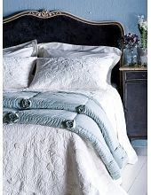 bloom blue comforter as seen in House Beautiful January 2013 Linen Bedroom, Linen Bedding, Bedroom Decor, Bed Linens, Bedroom Ideas, Blue Comforter, Green Furniture, Luxury Bedding Collections, Bedding Sets Online