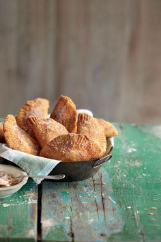 Fried Apple Pies - Football Dessert Ideas for Game Day - Southernliving. Recipe: Fried Apple Pies Served hot or at room temp, fried apple pies are a fan favorite at parties in the fall. Best Apple Recipes, Best Apple Pie, Apple Dessert Recipes, Fun Desserts, Delicious Desserts, Favorite Recipes, Fried Apple Pies, Fried Apples, Football Desserts