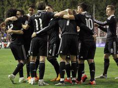Los jugadores del Real Madrid, celebran el primer gol del equipo madridista. 08.04.15