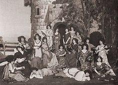 """Rapturous maidens"" await Bunthorne"