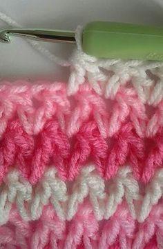 Transcendent Crochet a Solid Granny Square Ideas. Inconceivable Crochet a Solid Granny Square Ideas. Crochet Motifs, Crochet Stitches Patterns, Crochet Squares, Crochet Designs, Knitting Patterns, Granny Squares, Free Knitting, Baby Knitting, Knit Or Crochet