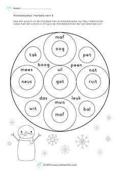 Speciaal rondom de winter heb ik een mandala gemaakt waarbij de kinderen woorden naleggen met hun klikklakboekje. De woorden die ik gebruikt heb passen bij de tweede maanversie van Veilig Leren Lezen.