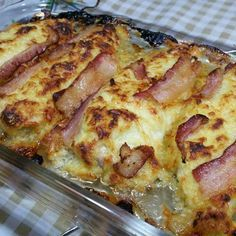 Take Care Of Your Own Health: Chicken fillet with bacon and parmesan cheese Keto Recipes, Dessert Recipes, Cooking Recipes, Healthy Recipes, Good Food, Yummy Food, Love Eat, Fabulous Foods, Chicken Recipes