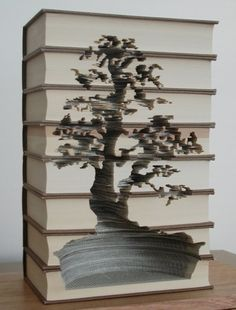 Amazing book art by carving artist, Kylie Stillman (Australia). Gosh some people are clever! Paper Book, Paper Art, Altered Books, Book Art, Vitrine Design, Tree Carving, Book Folding, Kirigami, Livros
