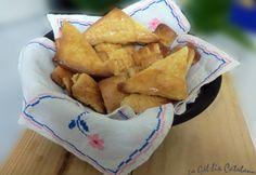 Blaiets  Ingredients: 125 grams de mantega 125 grams de sucre 1 cullerada de llevat Royal 1 ou sencer 200 grams de farina fluixa 100 grams de .....