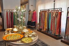 The-Regal-Threads-Collection---MANISH-MALHOTRA-store_3